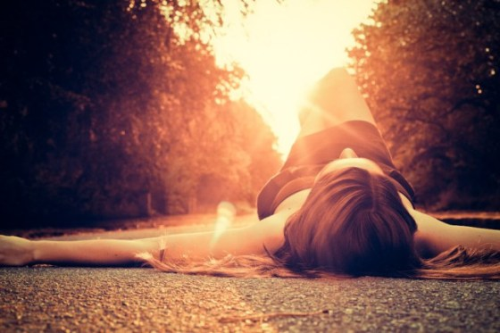sunrise-girl-lying-down